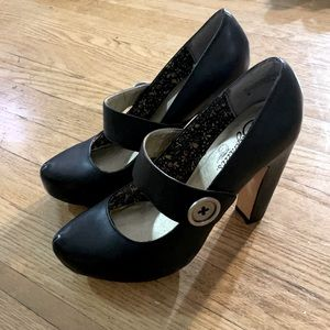 Seychelles black leather Mary Jane pumps. Size 8